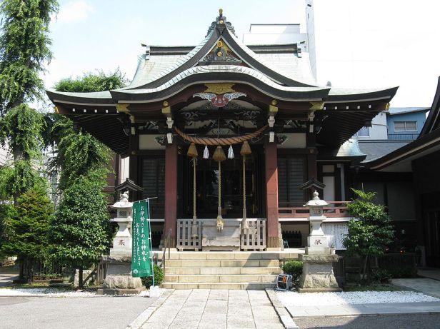 1024px-Kashiwa-jinja_haiden