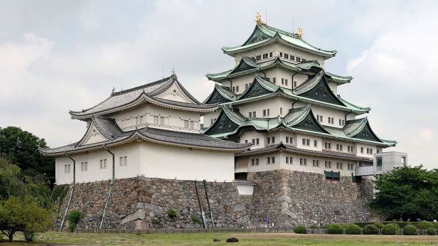 Nagoya_Castle(Larger)