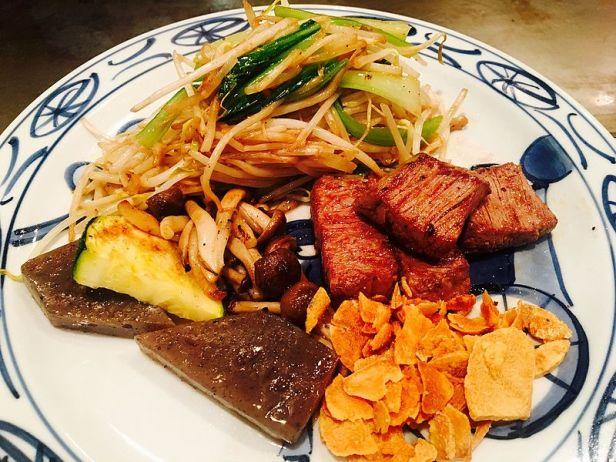 Kobe_beef_meal_served_in_a_steakhouse_in_Kobe.jpeg