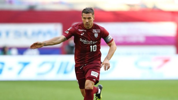 Lukas Podolski Vissel NOVEMBER 10 2018 Football Soccer 2018 J1 League match between Vissel